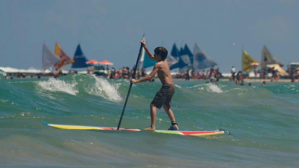 Stand up surf na praia de Cupe e praia Maracaípe