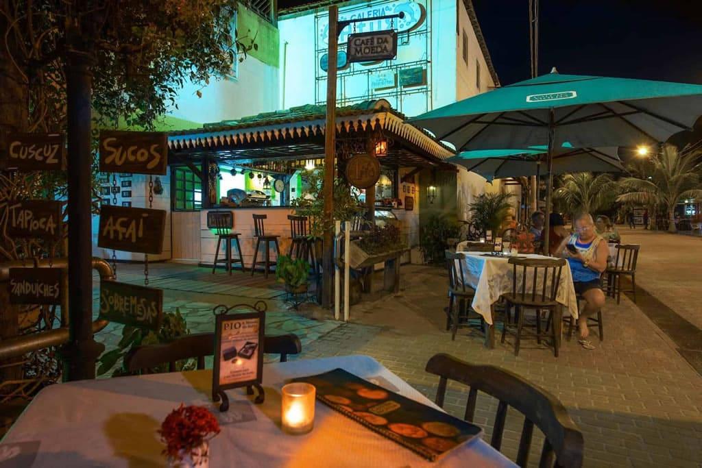Gastronomía y vida nocturna en Porto de Galinhas, Brasil
