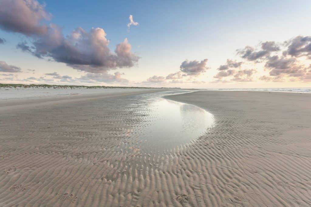 Vista de la Playa con mareas bajas
