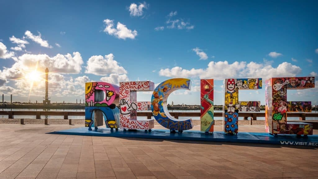 Cartel de bienvenida a Recife, Pernambuco